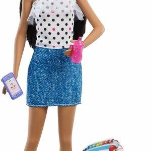 Barbie - Babysitter Skipper - Prikket kjole